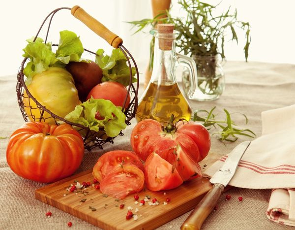Tomatoes Olive Oil Herbs Organic Organic Food Olive Tomato Knife Fresh Bio Healthy Healthy Eating Healthy Food Healthy Lifestyle Foodphotography Food Foodporn Vegetables Vegan Vegetarian Food Ingredients Salad Lunch Dinner