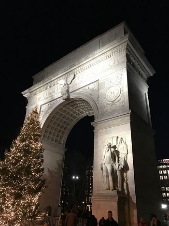 Built Structure Architecture Travel Destinations Tourism Low Angle View Statue Triumphal Arch Night Travel Building Exterior Arch Outdoors Sculpture Sky Illuminated City History No People