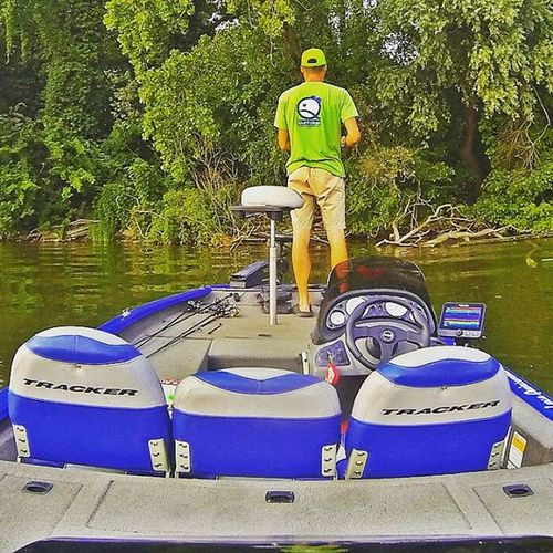 Welcome to my office! Bassfishing Thewaterismystadium Livingstonlures Bluesprings Ecoprotungsten Palms Imalures Trackerboats Bassboats Fishing Bass
