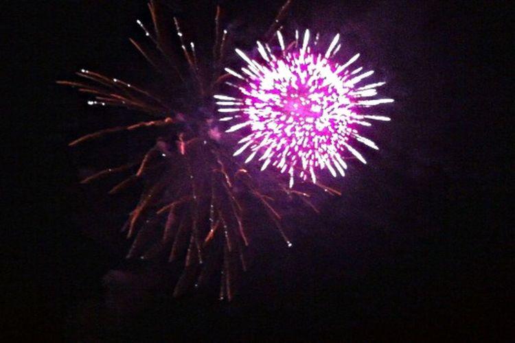 Hello World Taking Photos Enjoying Life Hi! Ferragosto2k15 Saturdaynight Fireworks Original✌️ Santamariadicastellabate Summer ☀