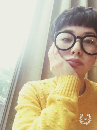 Thinking Cafe Yellow Me