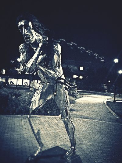 Statue Bowie State