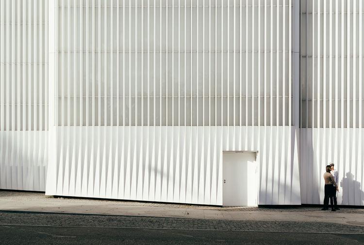 Architecture Architecture Day Minimalism Minimalist Architecture Modern Architecture The City Light Unrecognizable Person White The Architect - 2017 EyeEm Awards The Architect The Street Photographer - 2017 EyeEm Awards Colour Your Horizn