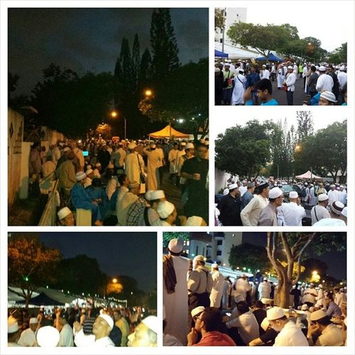 Outside Baalwie Mosque... The atmosphere is Subhana'Allah...