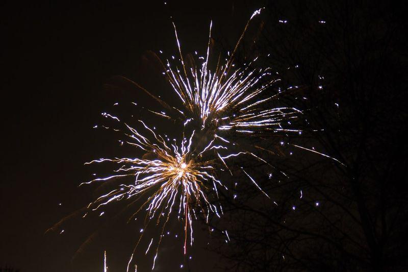 Celebration Night Fireworks Long Exposure Motion Sparks Silvester Feuerwerk 2017 New Year