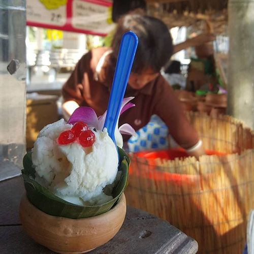 I can never say no to Coconut Icecream Snacktime Foodstall Streetfoodie Sweets Dessert Thailand Travelshots Everydayasia