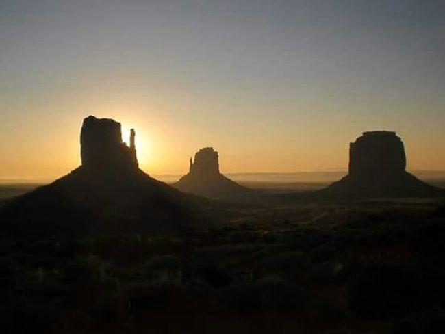 Sunrise Arizona Native American Indian Amazing Split Nature Monument Valley National Geographic Cowboy John Wayne