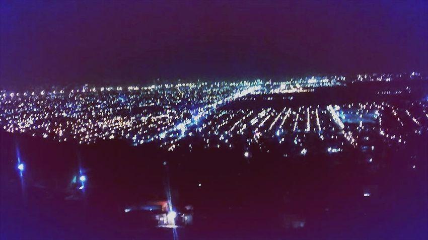 Miles de estrellas brillan dentro del mundo pero ninguna como las del exterior