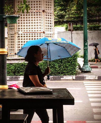 The Street Photographer - 2017 EyeEm Awards Day Streetphotography Bangkok 2way Ambrella The Street Photographer - 2018 EyeEm Awards