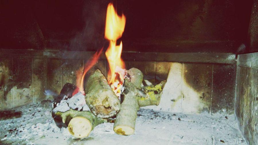 Night dreams. Fire Night Be Warm Friends&I