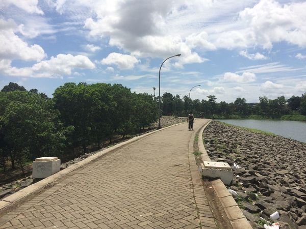 Sky Cloud - Sky Outdoors Day The Way Forward Nature Scenics Water Architecture Path Lake View Lake In The City