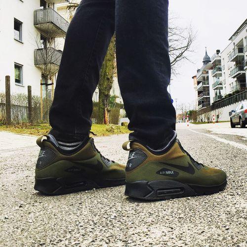 Nike Air Max 90 Mid Winter Sneakers Sneakerhead  Ilovesneakers Nike Nike✔ Nike Airmax Sneakerheads Urbanstyle Streetstyle Urbanstreetwear Urbanstreetstyle