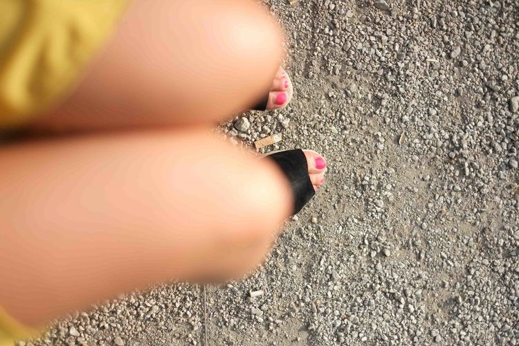 Cigarette  Detail Legs Miniskirt Part Of Red Toes Skirt Toes