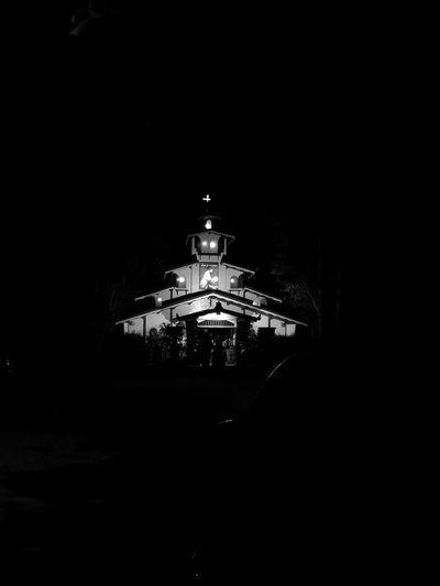 In una Chiesetta Sconsacrata fuori città! Deconsecrated Church .. Gioco Delle Ombre Gioco Di Luce Ombre Luci E Ombre