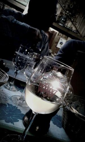 Hanging Out Vino Wein Wein Trinken