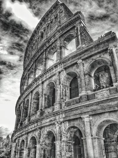 Architecture Low Angle View Built Structure History Building Exterior Religion Moving Around Rome