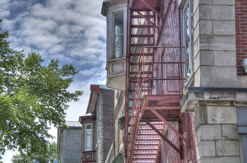 On monte ? Architecture Building Built Structure City HDR No People Outdoors Pentax K-50 Photomatixpro