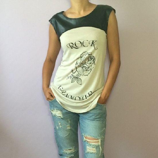 Туника Liu●Jo Jeans с черной кожаной вставкой, декорирована стразами. Состав: 100% Вискоза. Liu•Jo Luxury Liu Jo Shopping Fashion