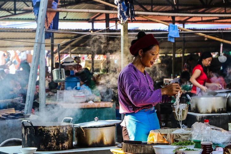 EyeEm Best Shots EyeEm Nature Lover EyeEm Selects EyeEm Gallery EyeEmNewHere Vietnam Eye4photography  Food Food And Drink Market Market Stall Preparing Food Real People Smoke - Physical Structure Street Food Women EyeEmNewHere