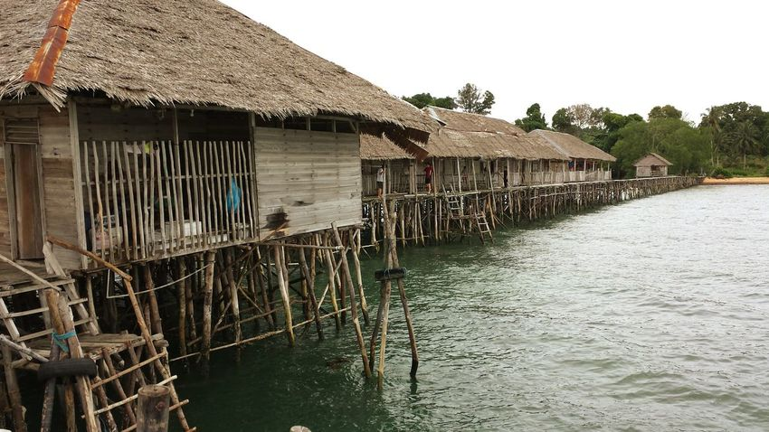 Kelong Water Stilt House Outdoors Thatched Roof Architecture Sea Building Exterior Built Structure Day No People Nature Sky Eye Em Nature Lover EyeEmNewHere The Week On EyeEm