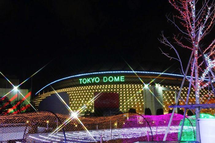 東京ドーム Tokyodome Tokyo,Japan Night Illuminated Amusement Park Light Trail Outdoors Arts Culture And Entertainment Built Structure No People Architecture Multi Colored Sky City Carousel Thank You Today