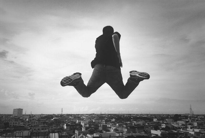 Blackandwhite Levitation