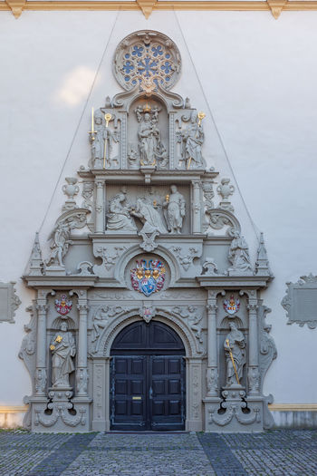 Artful entrance