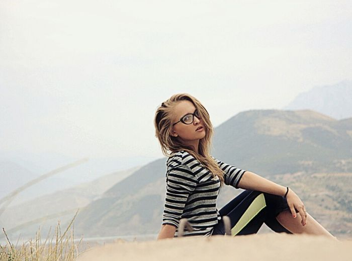 Mountains And Sky Greatmountain Lovely Weather Beautiful Day Girl Relax