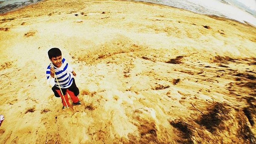 Traveller kid Sand Mud Kid Wideangle Wider River Out Pics Cool Nice Yellow Mud Travel