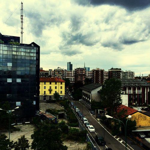Degrado urbano. Nuvolerapide Milano