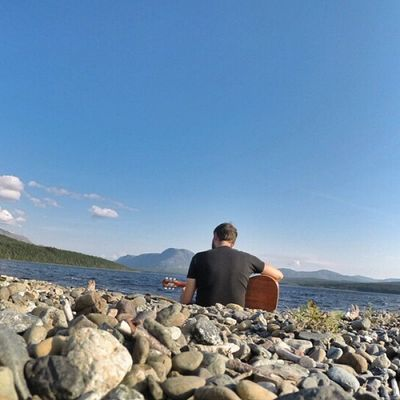 • Practice makes perfect • [TstPics ] Just had my hour of practice in this beautiful and quiet spot at Trout River in Gros Morne Park. • TstGuitar with @gibsonguitar & @GoPro • Tstcanada with @explorecanada & @nfldandlabrador & @visitgrosmorne • Explorecanada TravelNL Gibson GoPro • Travel Canada Newfoundland grosmornerocks •