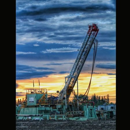 Found a rig on my travels tonight Froglake Coolpic Elkpoint PD  rig oilfieldheathens drillbabydrill roughneck oilfield oil precisiondrilling