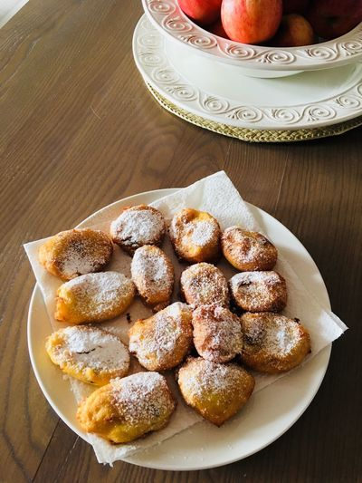 Dessert Time! Special Day Special Plate Of Food Plated Food Recipes And Food Preparation Handmade Frittelle Italian Dessert Italian Food Traditional Recipes Food And Drink Indoors