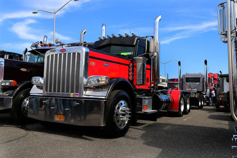 NIE Kenworth Trucking Show Truck Red Taking Photos