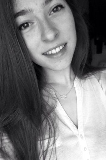 That's Me Blackandwhite Girl Frenchgirl French Hi! Long Hair