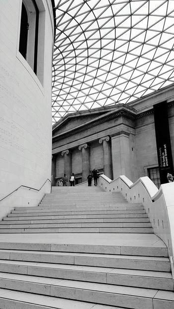 UK Diaries 8.5 Samsung Galaxy S6 Edge United Kingdom Travelling LONDON❤ Blackandwhite Architecture Nationalhistorymuseum