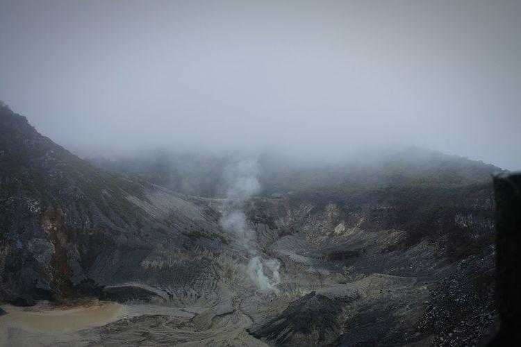 Tangkubanperahumountain Landscape Nature Outdoors Day EyeEmNewHere EyeEm Best Shots - Nature Crater The Week On EyeEm Day Rains Bandung, West Java
