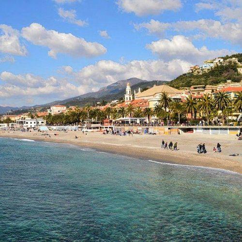 Un Mare da favola Spiaggia Sole Pietraligure Pietra Ligure Liguria Ig_liguria Senzafiltro 50shadesofwater 50shadesofsea Nofilter