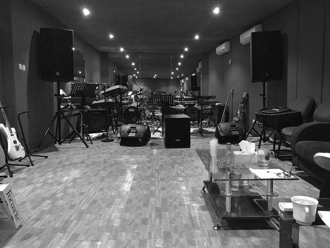 Studio Musician Musicianlife StudioSession Rehearsal Monochrome Monochromatic Monochrome_life Monochrome _ Collection Streetphotography Streetphoto_bw Blackandwhite Blackandwhite Photography Bnw_friday_eyeemchallenge Bnw_society Bnw_captures
