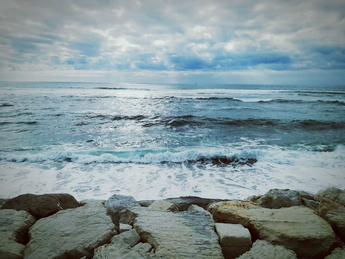 Sea Beach Sand Horizon Over Water Wave Water Beauty In Nature Tranquility Cloud - Sky Outdoors Day Sky Nature Figueiradafoz HuaweiP9 Huawei P9 Lite Mobile Conversations
