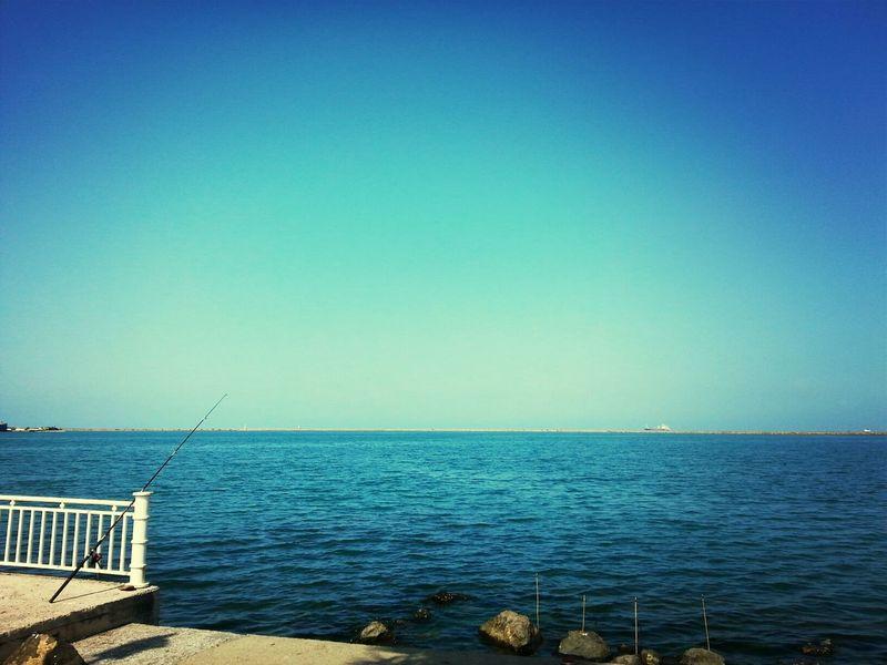 Samsun sahil, bir kaç umut çubuğu :)) Sea Fisher Man Fishing Rod ..