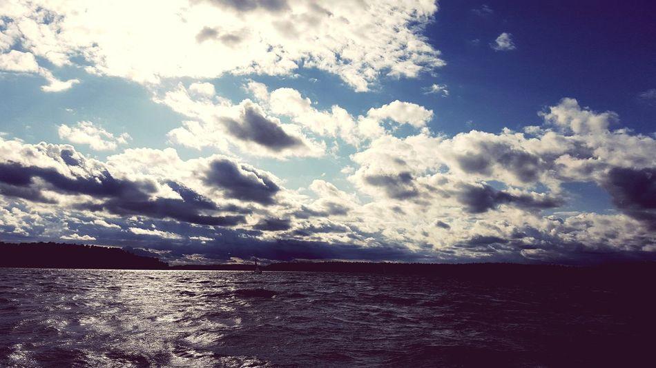 Jeden z wietrznych dni nad Neckiem Woda Jezioro Necko Chmury Niebo Wiatr Fale Sky Cloud Water Waves