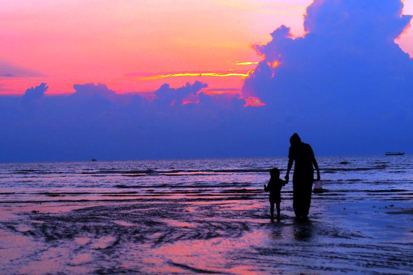 Go home Lombok Gallery EyeEm Lombok Island Lombok Island Malephotographerofthemonth Lombok Photo Works Indonesian Photographers Collection Canon PowerShot G7X Sunset Silhouettes Sunset_collection Lombok-Indonesia Shiloutte Photography Colour Of Life