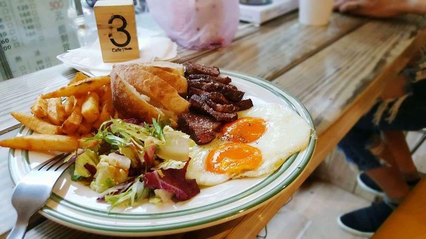 美國牛肉王都讚不絕口 黑牛早午餐超便宜…