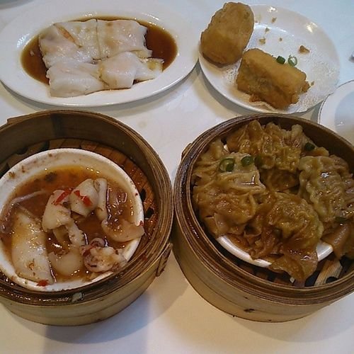 First meal of the year, an Excellent Dimsum restaurant with distinctive dishes like Braisedbeefdumplings and Chillysquid