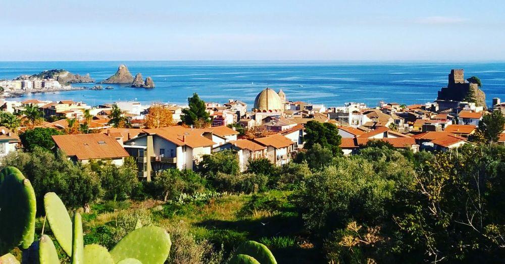 Panorama dalla collina di Acicastello Acicastello Panorama Sicily Sicilia Relax 2018 Acitrezza  Sea Beach Beauty In Nature Scenics First Eyeem Photo