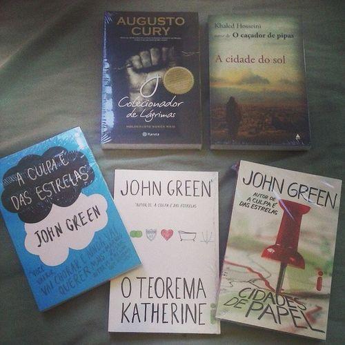 Meus livros chegaram ??? Aculpaédasestrelas ColecionadorDeLagrimas ACidadeDoSol Oteoremakatherine CidadesDePapel ??