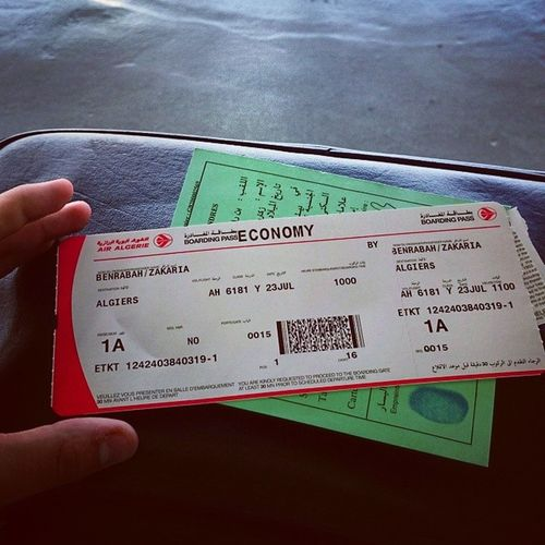 1A because I'm the best!!!! Kidding only in Algeria they don't care about assigned seats.... Plus they love delays.... Waiting for my delayed flight :( Wahran Essenia Benbella Oran  airalgerie aircouscous late retardé rouge