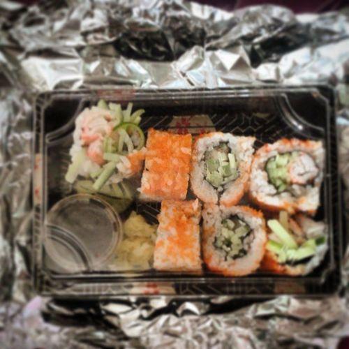 coz i'm craving!!! he made me some.. hihihi  Superlatedinner Spoiledkiddo Craving Californiaroll sushi hetriedto love happy daddymommy