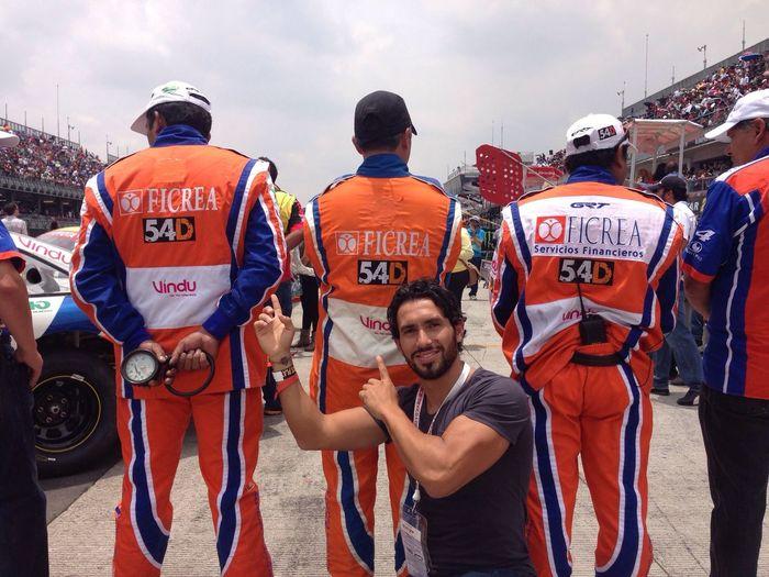 54D en la carrera Nascar !! Orgullo Total